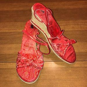 Red patterned sandal